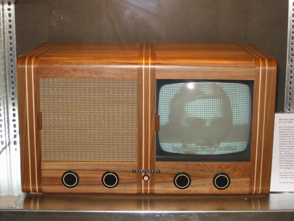 """Deutscher Fernseheinheitsempfänger E 1 """"Telefunken """", 1939"""